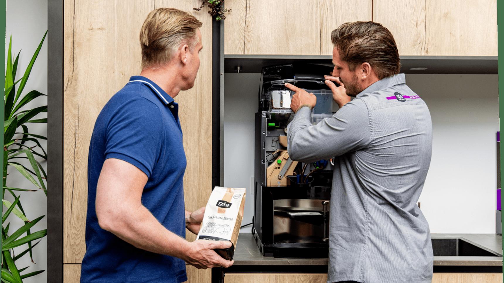 Gio Coffee koffiespecialist legt uit hoe de koffiemachine werkt