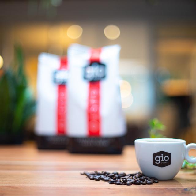 Sfeerbeeld-Gio-Coffee-Gusto-Fresh-Brew-koffiemelange-Zakelijke-Koffie.jpg