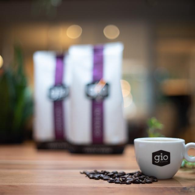 Sfeerbeeld-Gio-Coffee-Intenso-Fresh-Brew-koffiemelange-Zakelijke-Koffie.jpg
