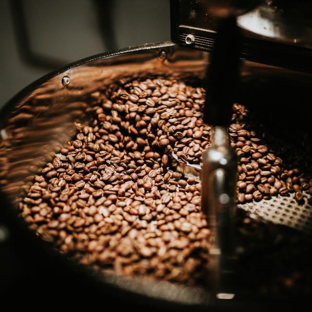 Koffie branden voor de Gio Coffee koffiemelanges