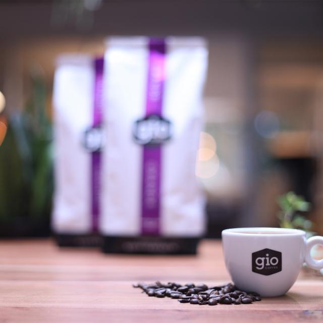 Sfeerbeeld-Gio-Coffee-Grande-Koffiebonen-Zakelijk